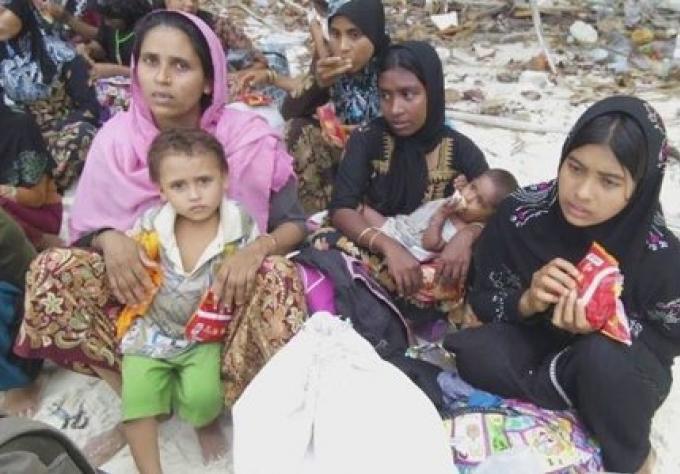 106 Rohingya trouvés dans un état désespéré dans les îles de Surin