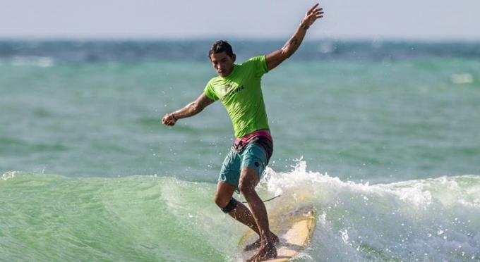 Pas de panique, mais restez en sûreté! Comment surfer en sécurité sur les plages de Phuket