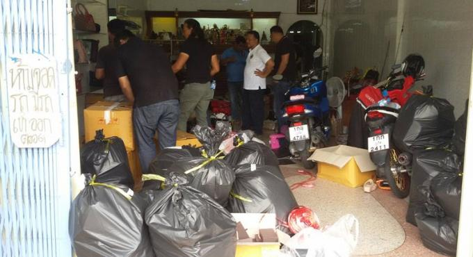 400 sacs de contrefaçon saisis a Phuket Town