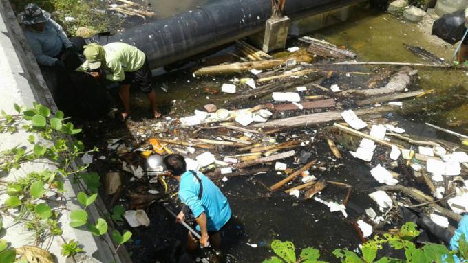 Le canal évacué de ses déchets