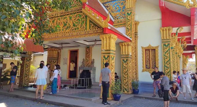 Un temple de Phuket 'arnaque' les touristes chinois, la police enquête