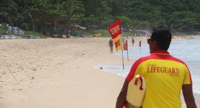 Deux municipalités de Phuket engageront leurs propres sauveteurs