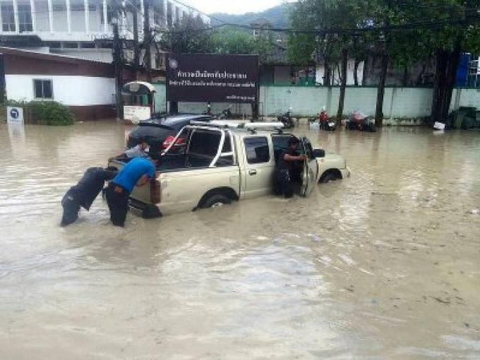 Des crues soudaines ont frappé Patong