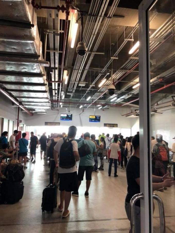 L'aéroport en panne de clim