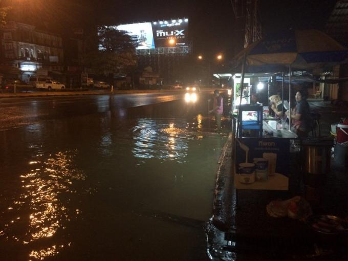 Des pluies torrentielles s'abattent sur Phuket