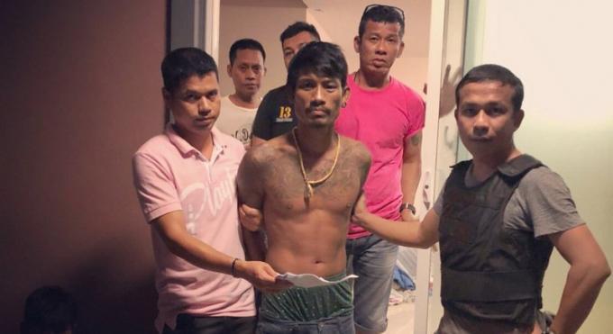 Un homme arrêté pour le vol de la carte de crédit de son ancien patron et le retrait de plus de B