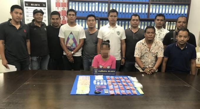 Une dealeuse de Phuket arrêtée avec plus 4,000 pilules de ya bah et 100g de ya ice