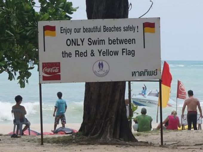 Les leaders de la Thaïlande doivent mettre fin à la prise de controle des jet-skis