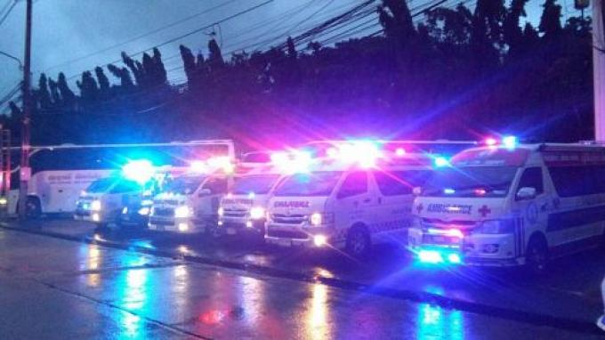 Mission de sauvetage pour secourir les passagers d'un bateau pris dans la tempête