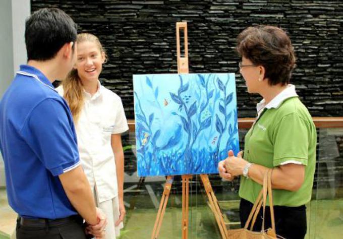 L'exposition d'art, sous la mer à KIS
