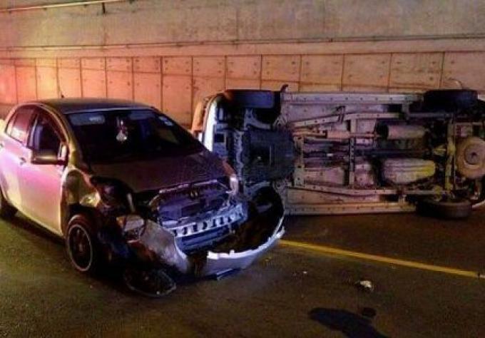 Deux véhicules accidentés dans le tunnel de Darasamuth