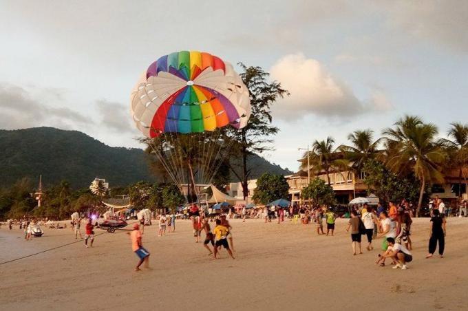 Interdiction des jet-skis et des parachutes ascensionnels prolongée jusqu'au 14 Août