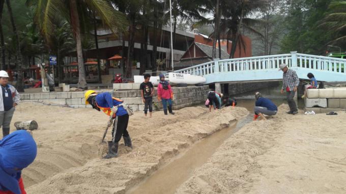 Inspection des eaux usées des hôtels après l'apparition d'eaux usées nauséabondes dans un c
