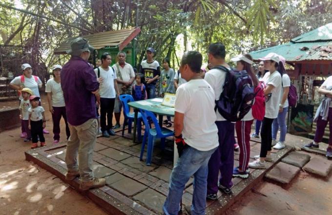 Mövenpick Resort & Spa Karon Beach adopte un gibbon du Centre de Réhabilitation de Phuket