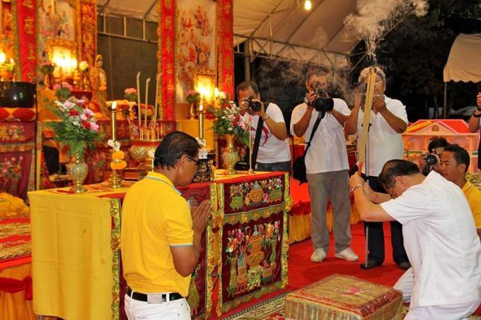 Quatre religions pour une prière multiconfessionnelle à la mémoire des victimes du Phoenix