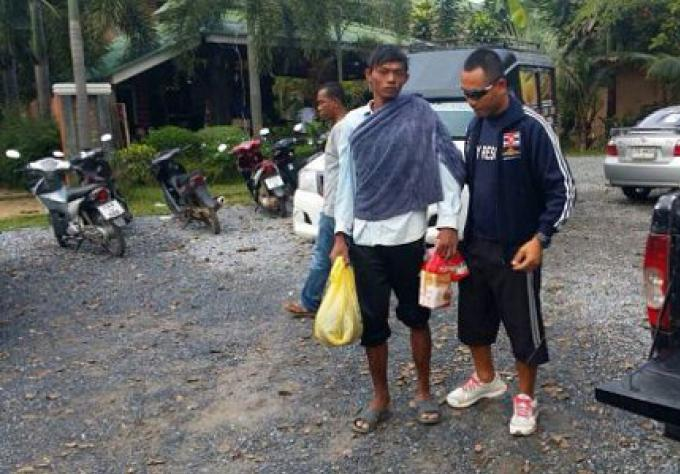 Trois hommes de barge coulée secourus au large de Phuket