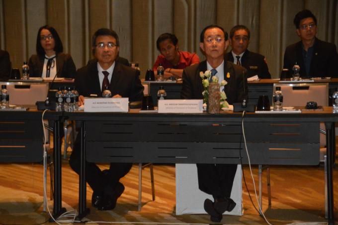 Réunion tripartite à Phuket, le ministre des transports veut des 'transports verts'