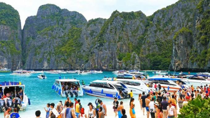 Maya Bay fermée un mois supplémentaire