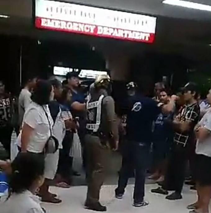 Une personne âgée fulmine contre le 'manque d'attention' du personnel de l'hôpital Vachir