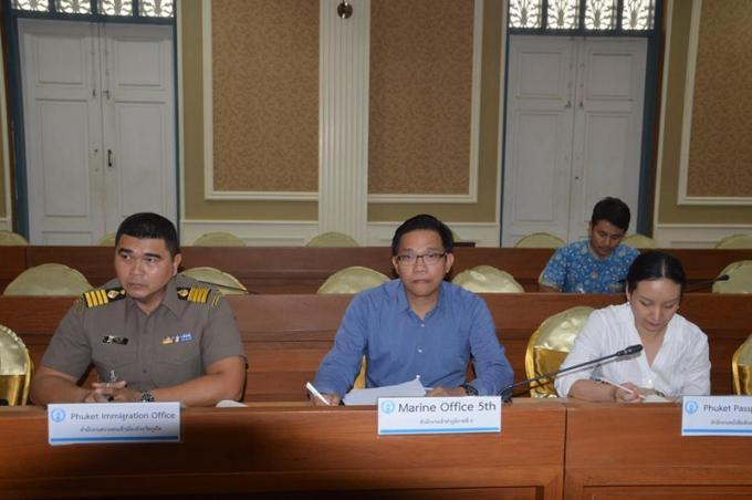 Les consuls de Phuket 'briefés' sur la sécurité routière, la circulation et les noyades