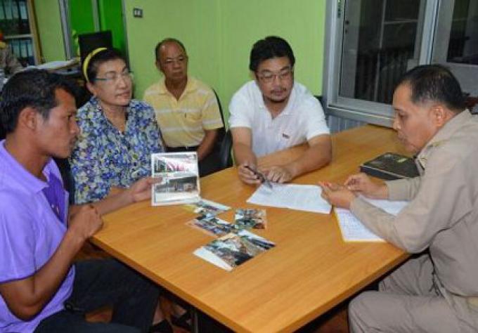 Les Fonctionnaires de Phuket enquêtent sur le projet de conduites d'eau