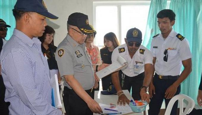 Inspection de sécurité maritime avant le début de la saison touristique