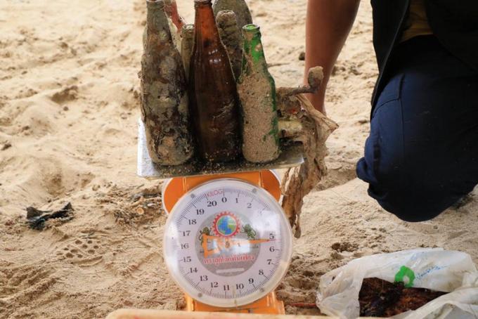 Une demie tonne de déchets sous marins collectés à Patong Beach
