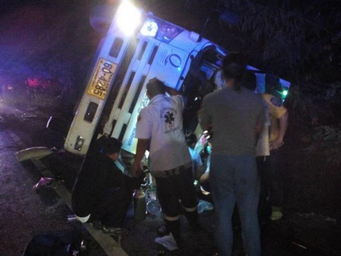 Un camion renversé près du Sarasin Bridge