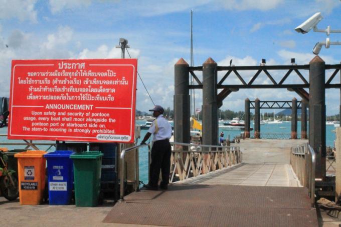 Le Bureau Maritime de Phuket insiste sur la sécurité maritime à l'occasion de Loy Krathong