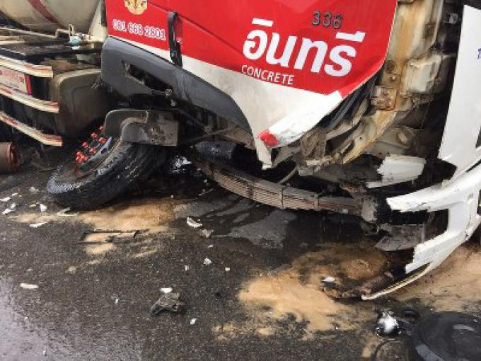 Deux personnes hospitalisées dans un accident contre un camion de ciment