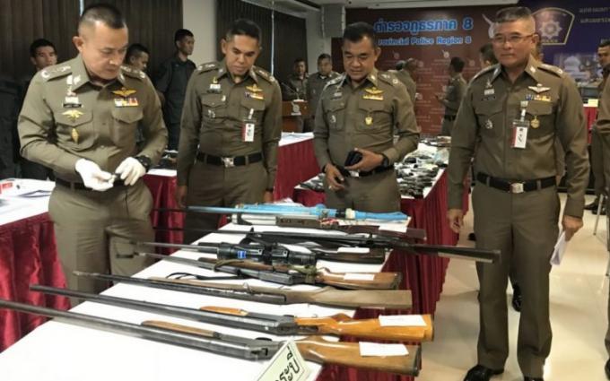 'Blitz' anti criminalité de la Police de la Région 8 avant Loy Krathong