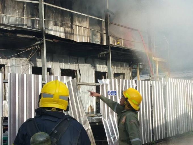 Un camp de travailleurs de Kathu détruit par le feu
