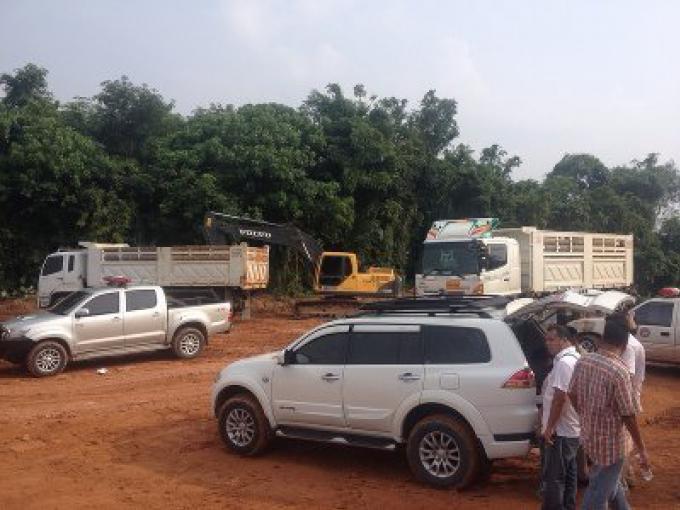 Une entreprise d'excavation illégale à Mai Khao