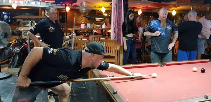 Patong Pool League : Kiki Sports Bar en embuscade