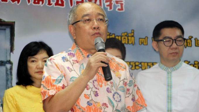'Pas de panique, nous avons suffisamment d'eau,' promet le gouverneur de Phuket
