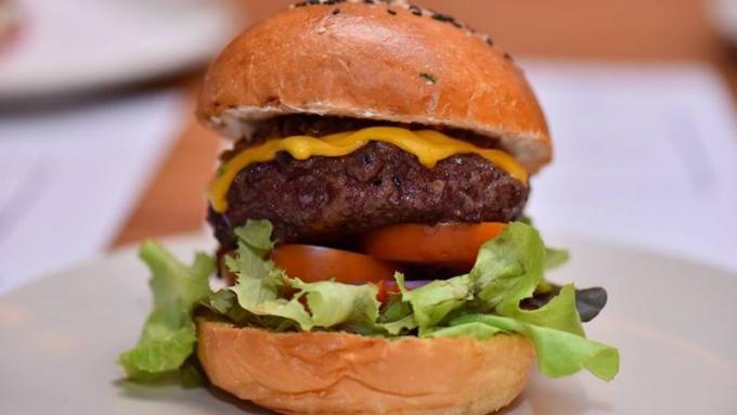 Phuket's Best Burger 2019 : 'Dare to Dream'