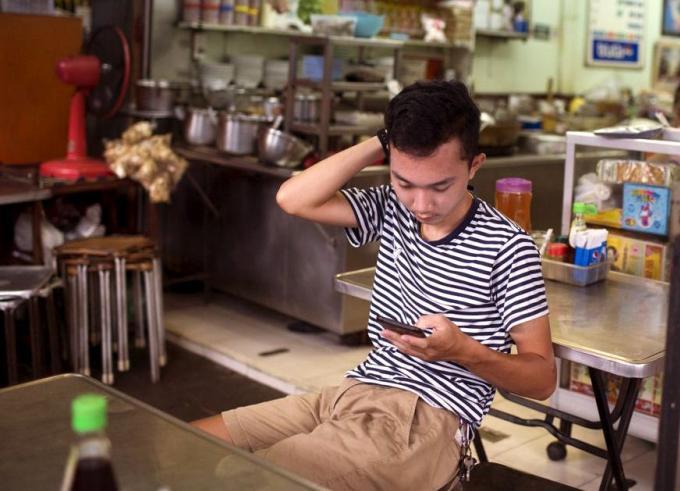 Les électeurs aiment Prayut comme premier ministre mais préfèrent voter pour le Parti Pheu Thai