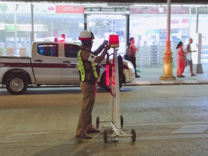 Les 'pilotes' de Patong arrêtés et verbalisés – Vidéo