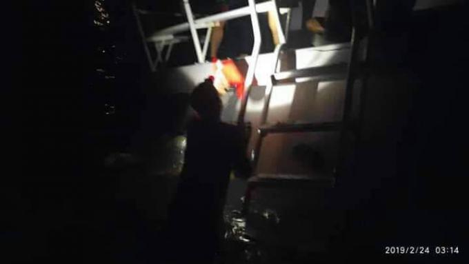Touristes et équipage sains et saufs après le naufrage de leur bateau au large des Similan