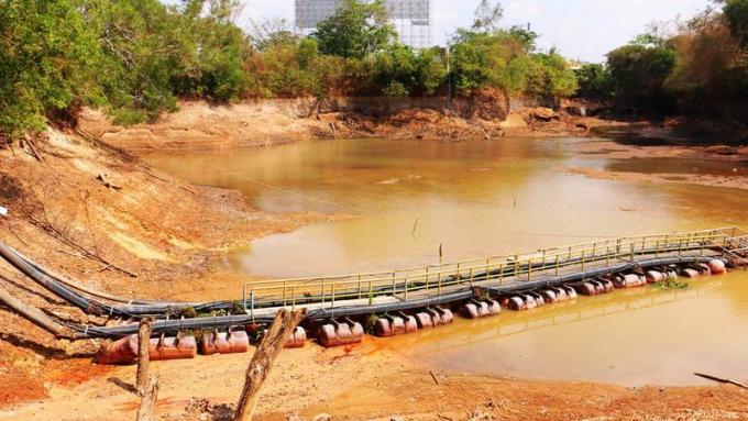 Une compagnie privée fourni gratuitement de l'eau alors que le réservoir de se tarit