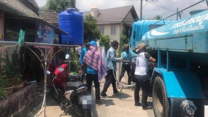 Déploiement de livraison 'd'urgence d'eau gratuite'