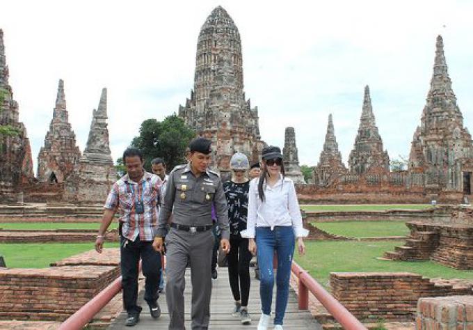 Les 2 danseuses du temples d'Ayutthaya se sont excusées