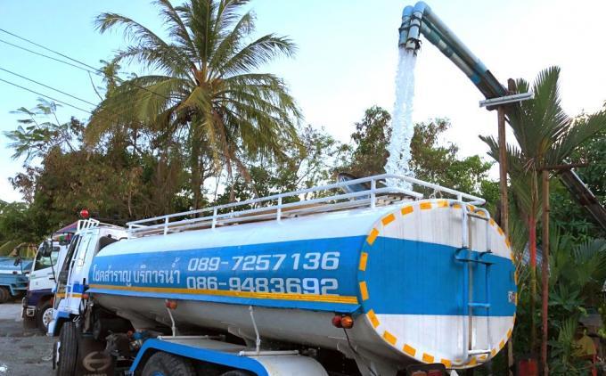 Déploiement des camions citerne – Les réserves en eau de Phuket toujours plus faibles