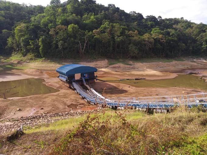 L'eau 'racle le fond' des trois réservoirs de Phuket