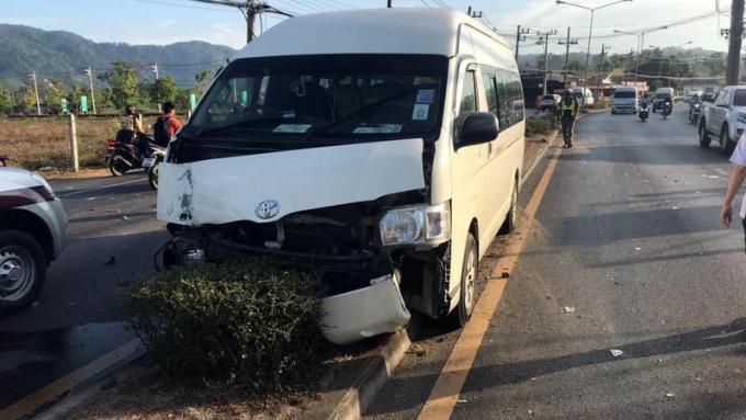 Le conducteur d'un van poursuivi pour avoir détruit un lampadaire