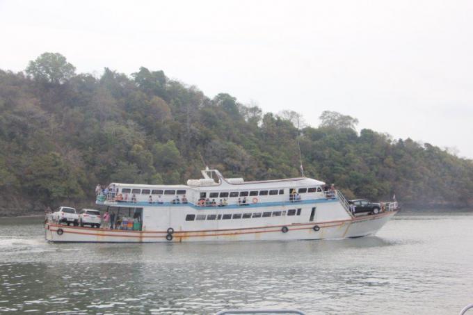 Le gouverneur souligne les mesures de sécurité maritime de Songkran