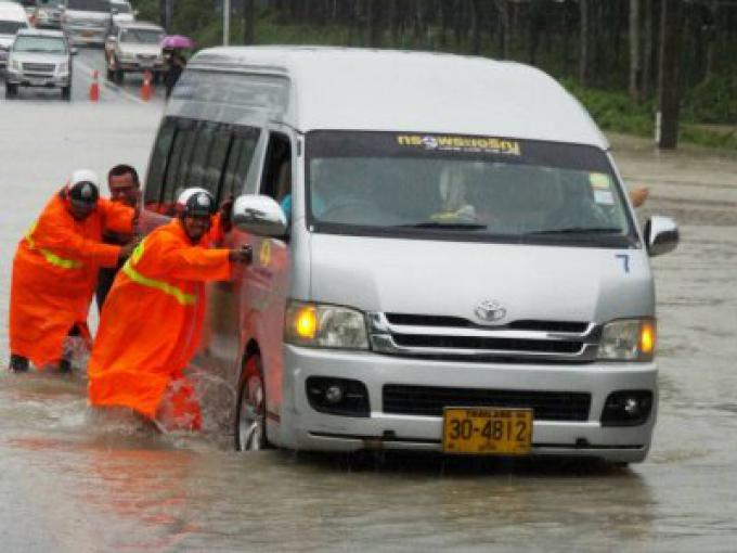 Les phénomènes météorologiques violents, inondations à Phuket