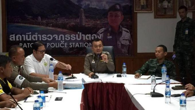 La Police de Patong rencontre les taxis pour parler services et comportement