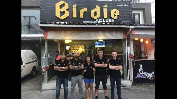 Patong Pool League : Kwan's Birdie sacré champion