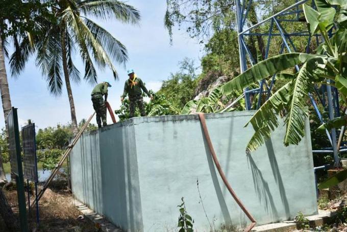 L'armée déploie ses camion citerne à Phuket
